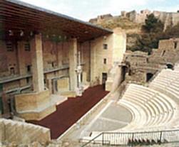 Teatro en Troya: realidad versus ficción